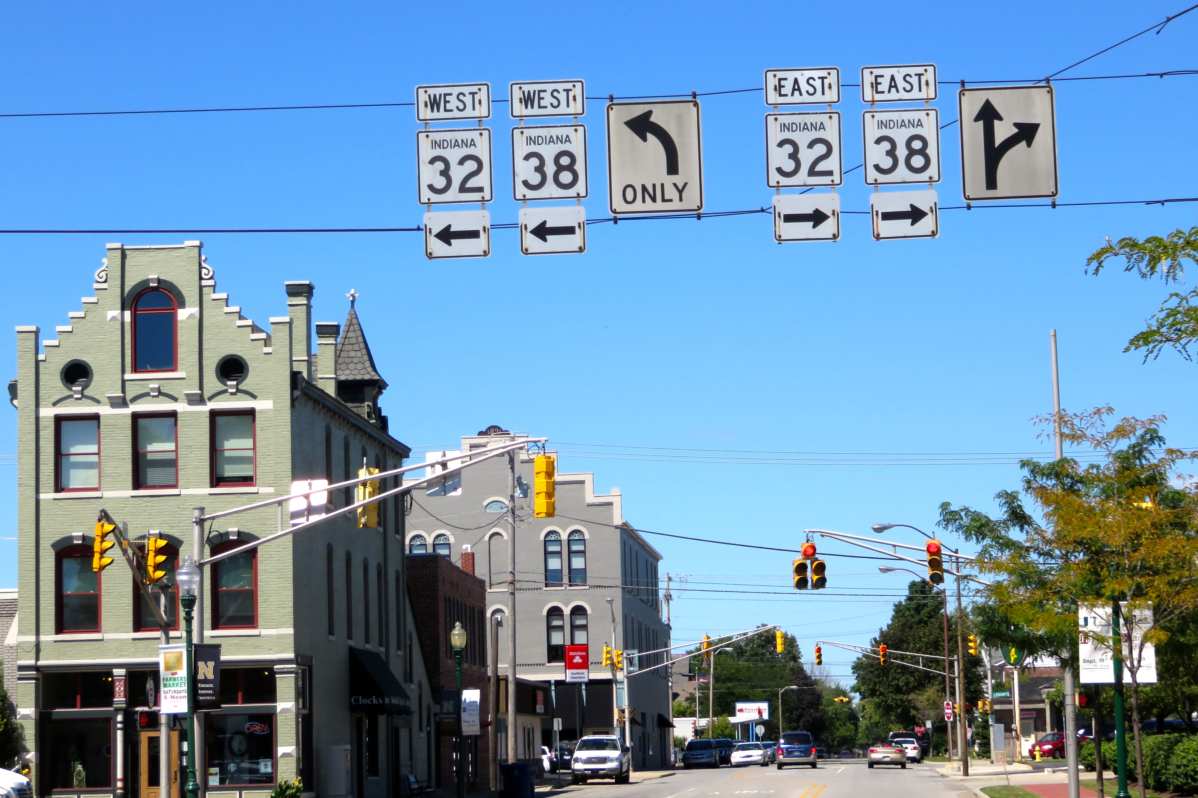Downtown Noblesville Indiana 32/38 signs